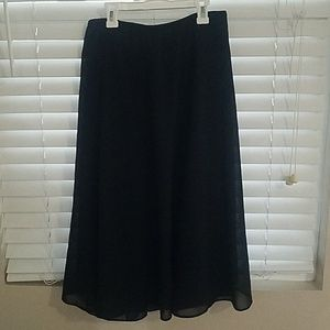 Plus size sheer overlay lined A-line skirt